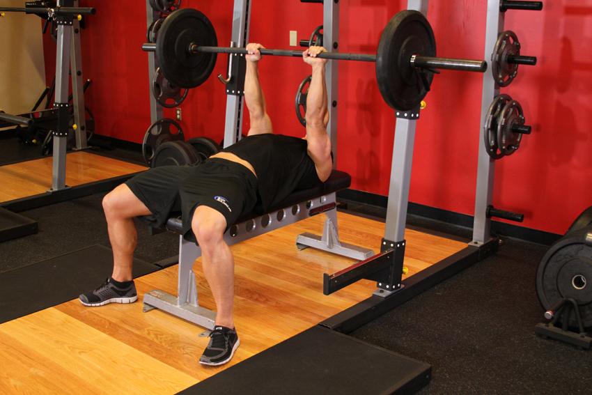 Trabaja el pecho y los tríceps sin presión con el Press Dicks