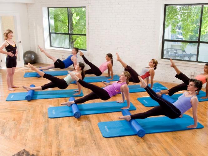4 ejercicios para fortalecer isquiotibiales en casa - Ejercicios cardiovasculares en casa ...