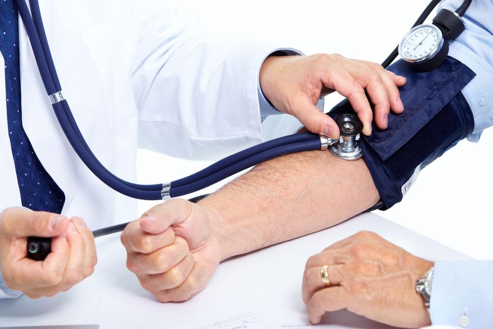 El viagra aumenta o disminuye la presion arterial