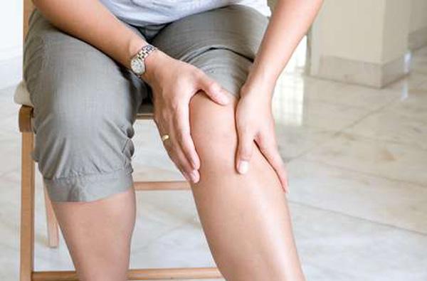 el acido urico afecta la rodilla aumento de niveles sericos de acido urico cristales acido urico ph