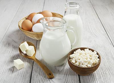 Donde se encuentra la vitamina b12 - En que alimentos esta la vitamina b12 ...