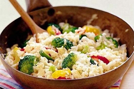 Arroz con brócoli, recetas saludables para el organismo