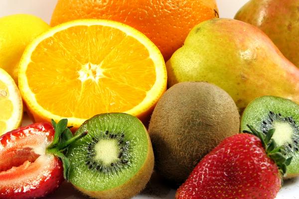 Las 9 Vitaminas hidrosolubles más importantes que no deben faltar en tu dieta