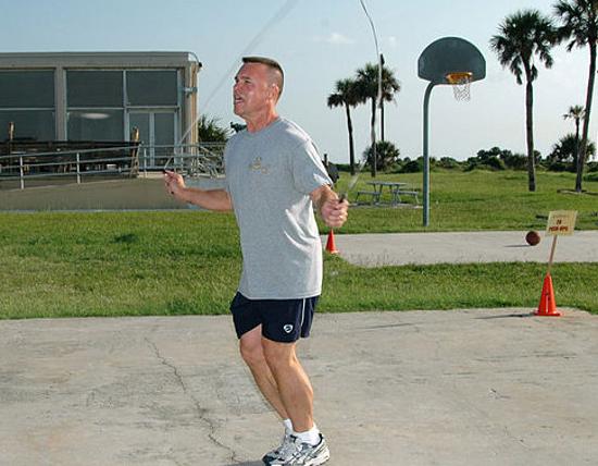 4 Trucos para perder barriga con ejercicios en casa