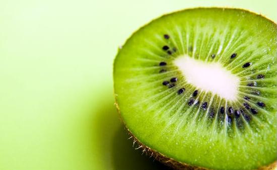 Conoce las propiedades del kiwi y sus beneficios