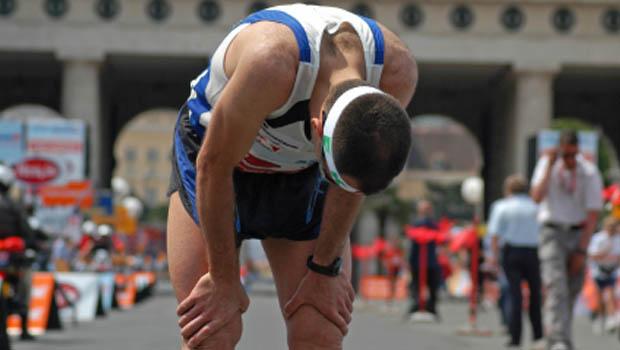 ¿Dolor de cabeza después de correr? Descubre sus causas