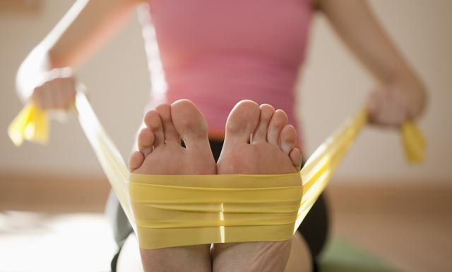Ejercicios de fitness con bandas elásticas