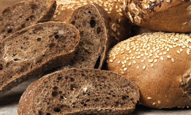 ¿El pan integral engorda?
