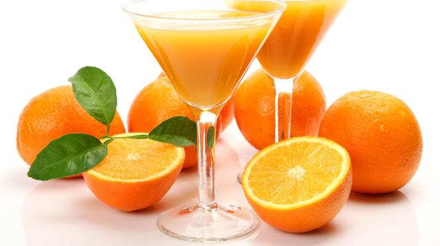 ¿La naranja engorda?