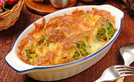 Brócoli gratinado con queso.