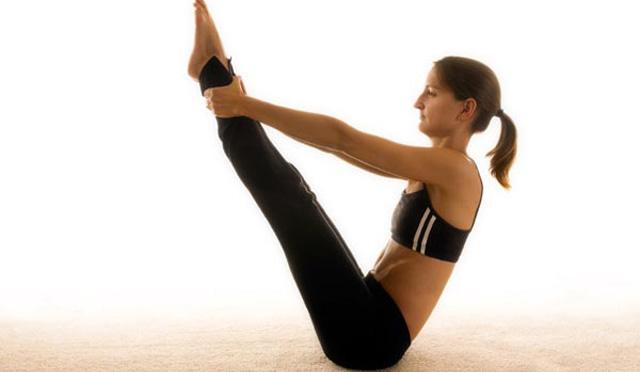 5 ejercicios Pilates para quemar grasa