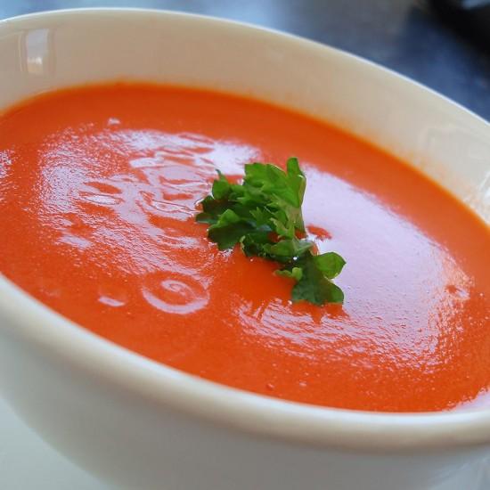 Sopa de tomate, una receta casera