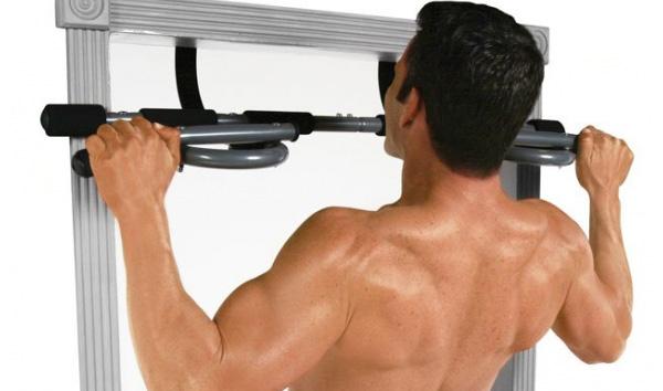 Beneficios de una barra dominadas Decathlon en casa