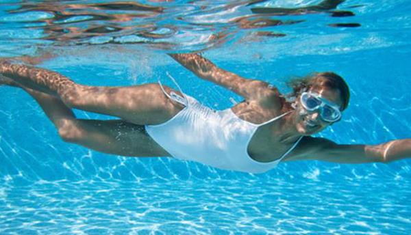 Ejercicios para adelgazar nadando