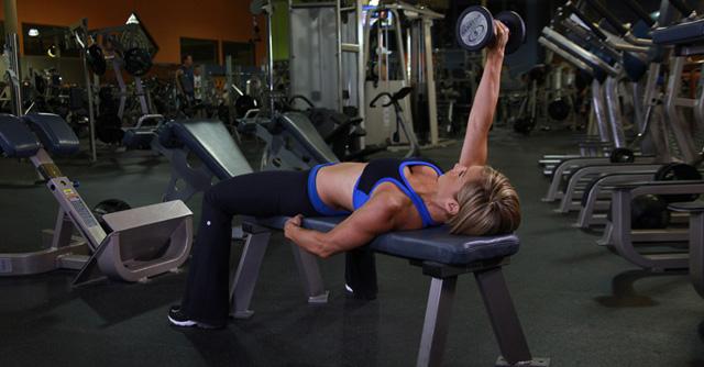 6 ejercicios de tríceps con mancuernas