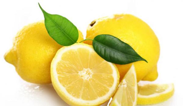 Agua con limón para adelgazar