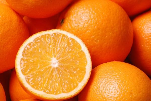 Cuantas calorías tiene una naranja