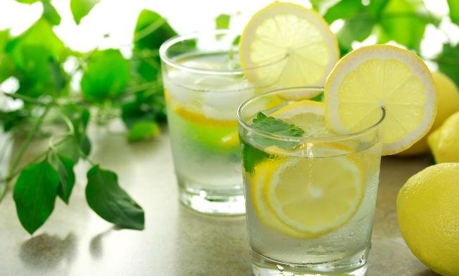 Agua con limón: propiedades