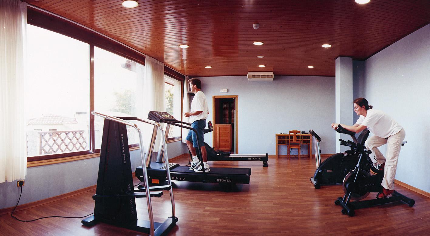 Ejercicios gym en casa - Gimnasios en casa ...