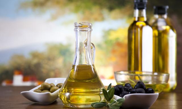¿El aceite de oliva engorda?