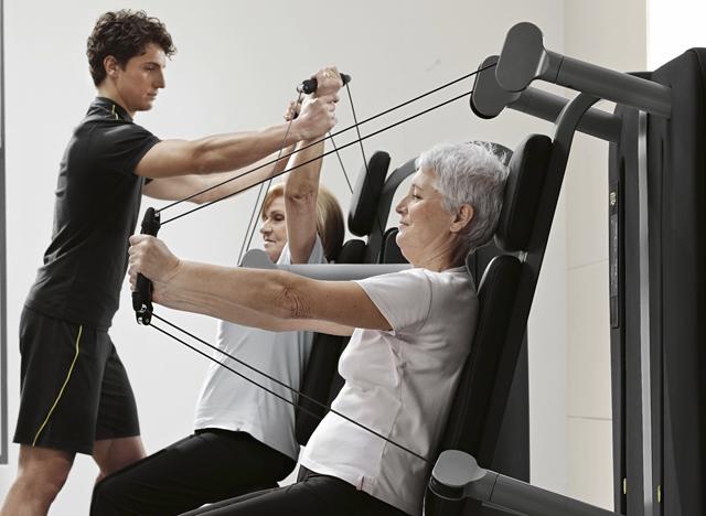 Importancia de entrenamiento de fuerza en mujeres mayores
