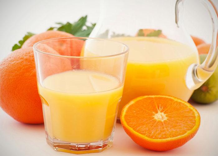 Tomar zumo y comer fruta ¿Tienen los mismos beneficios?