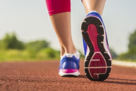 Circuito HIIT: ejercicios de cardio en casa
