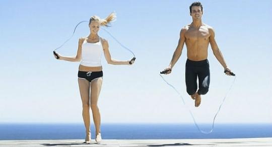 Quema calorías con el salto de comba (o saltar a la soga)
