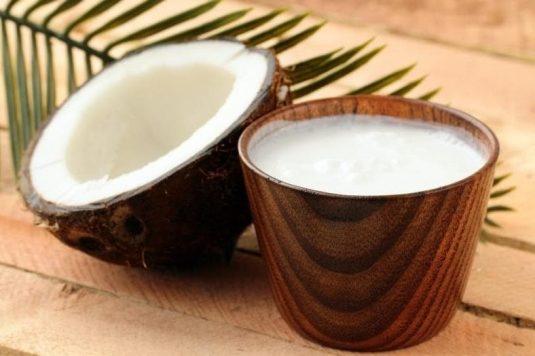 Beneficios de la leche de coco y sus propiedades