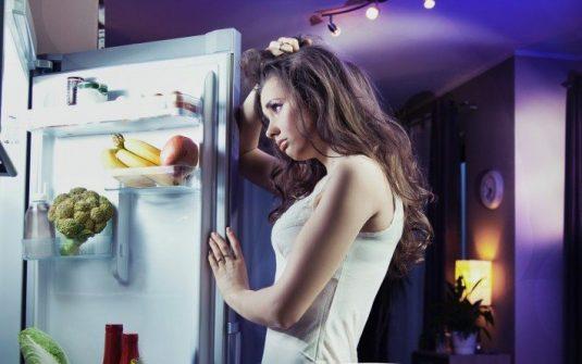 Comer hidratos de carbono por la noche engorda más