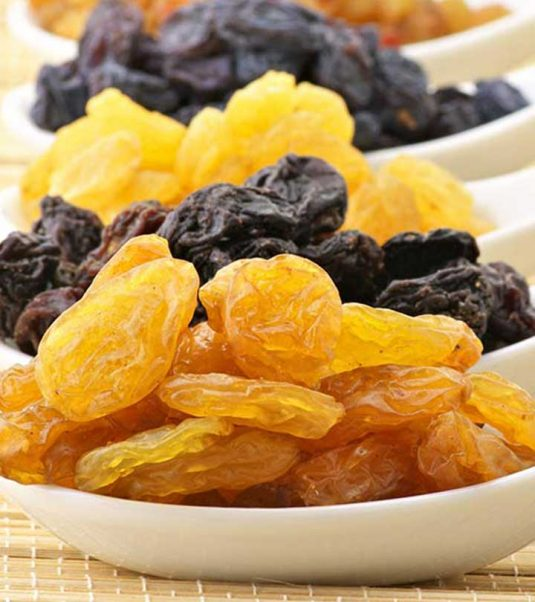 412-12-Best-Benefits-Of-Dry-Grapes-For-Skin-Hair-And-Health