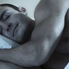 8 consejos para lograr quemar grasa durmiendo