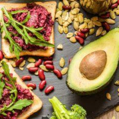 ¿Cuál es la mejor dieta? Paleo vs Vegetariana