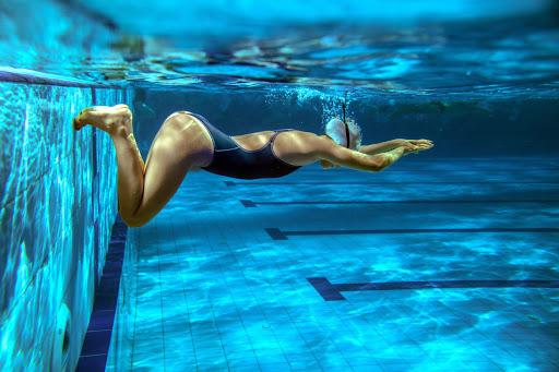 Entrenador personal de natación online en Málaga