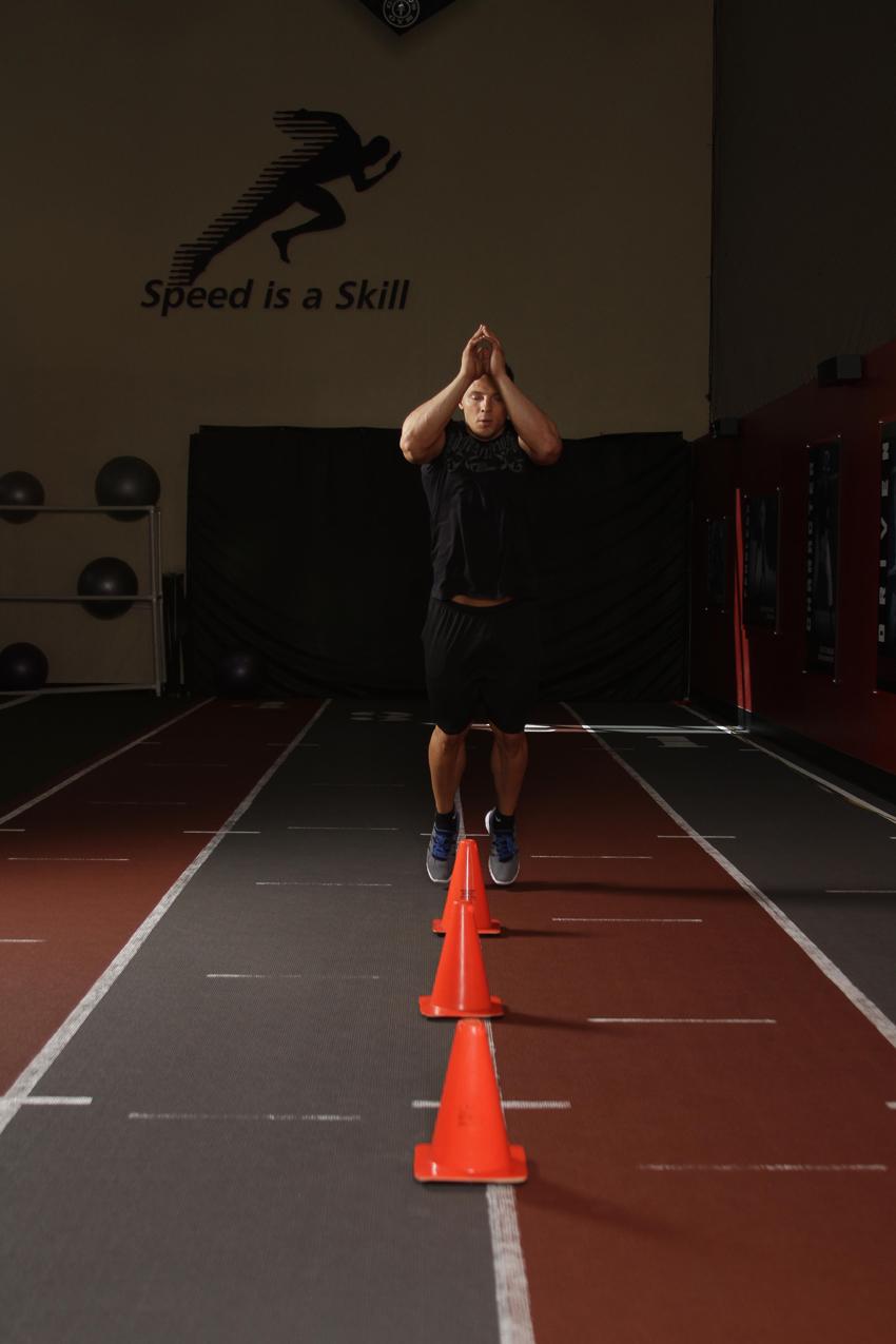 Saltos de cono al frente (o saltos de vallas)